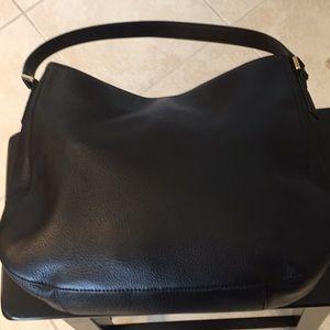 """fd54eabb5e6 Tory Burch Bags - Tory Burch """"Mercer"""" hobo bag in Black Leather EUC"""